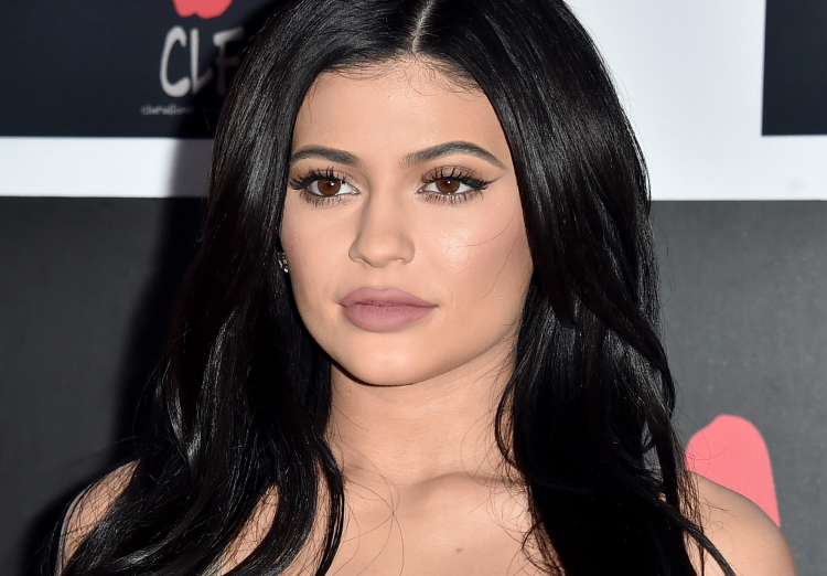 Kylie Jenner Reveals If She Had Cheek Amp Jaw Plastic